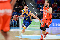 Valencia Basket's Sam Van Rosso and Herbalife Gran Canaria's Albert Oliver during Quarter Finals match of 2017 King's Cup at Fernando Buesa Arena in Vitoria, Spain. February 17, 2017. (ALTERPHOTOS/BorjaB.Hojas) /Nortephoto.com