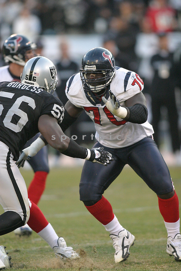 FRED WEARY, of the Houston Texans ,during their game against  the Oakland Raiders on December 3, 2006 in Oakland, CA...Houston wins 23-14..Rob Holt / SportPics