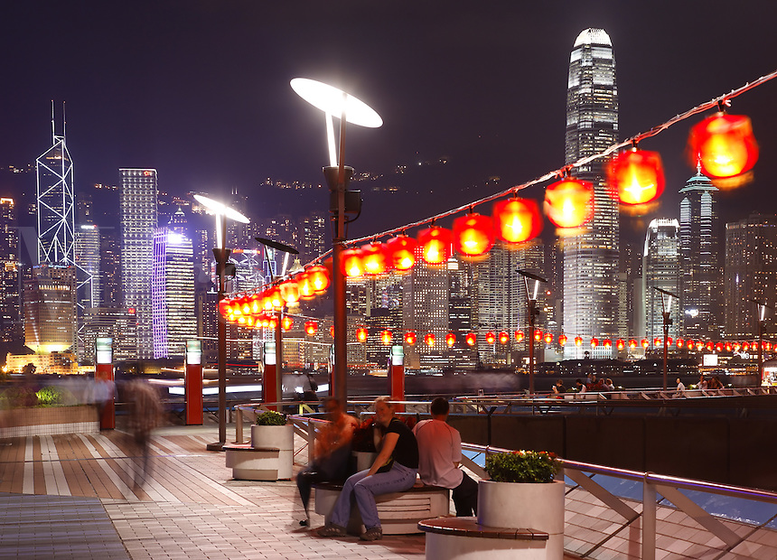 Kowloon's Avenue of Stars and Hong Kong skyline at dusk, Hong Kong SAR, China, Asia