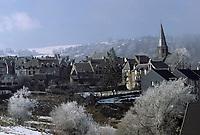 Europe/France/Auvergne/63/Puy-de-Dôme/Besse-en-Chandesse: le village sous la neige
