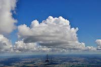 Wolkenstrasse: EUROPA, DEUTSCHLAND, MECKLENBURG VORPOMMERN, (EUROPE, GERMANY), 05.09.2010: Luftbild, Luftansicht, Ausblick, Aussicht, Wolken, Cumulus,  Wolkenstrasse, .