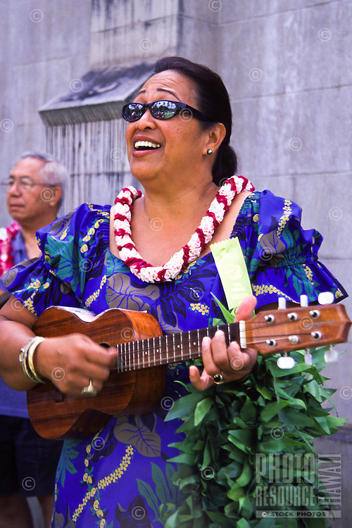 Music performer at Royal Mausoleum on Lei Day