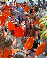 The O-Team cheers for incoming students and their parents as they enter Rush Gym during Orientation, Aug. 21, 2015.<br />