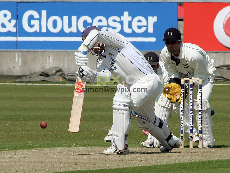 PICTURE BY VAUGHN RIDLEY/SWPIX.COM -  Cricket - Liverpool Victoria County Championship Division One- Riverside, Chester-le-Street, County Durham - 10/05/06...? Simon Wilkinson - 07811 267706...Durham's Jonathan Lewis (L) goes for LBW.