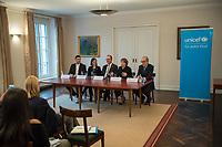 UNICEF-Neujahrsgespraech mit Schirmherrin Elke Buedenbender (2.vr.) am Dienstag den 29. Januar 2019 im Schloss Bellevue.<br /> Teilnehmerinnen und Teilnehmer:<br /> Elke Buedenbender, Schirmherrin UNICEF Deutschland; Georg Graf Waldersee, Vorsitzender UNICEF Deutschland (1.vr.); Ted Chaiban, Programmdirektor UNICEF International (Mitte) und Jess Mukeba (16), Gymnasiast aus Offenburg, Mitglied des UNICEF Junior-Beirats (1.vl.). 2.vl.: Ninja Charbonneau (Pressesprecherin UNICEF).<br /> 29.1.2019, Berlin<br /> Copyright: Christian-Ditsch.de<br /> [Inhaltsveraendernde Manipulation des Fotos nur nach ausdruecklicher Genehmigung des Fotografen. Vereinbarungen ueber Abtretung von Persoenlichkeitsrechten/Model Release der abgebildeten Person/Personen liegen nicht vor. NO MODEL RELEASE! Nur fuer Redaktionelle Zwecke. Don't publish without copyright Christian-Ditsch.de, Veroeffentlichung nur mit Fotografennennung, sowie gegen Honorar, MwSt. und Beleg. Konto: I N G - D i B a, IBAN DE58500105175400192269, BIC INGDDEFFXXX, Kontakt: post@christian-ditsch.de<br /> Bei der Bearbeitung der Dateiinformationen darf die Urheberkennzeichnung in den EXIF- und  IPTC-Daten nicht entfernt werden, diese sind in digitalen Medien nach &sect;95c UrhG rechtlich geschuetzt. Der Urhebervermerk wird gemaess &sect;13 UrhG verlangt.]