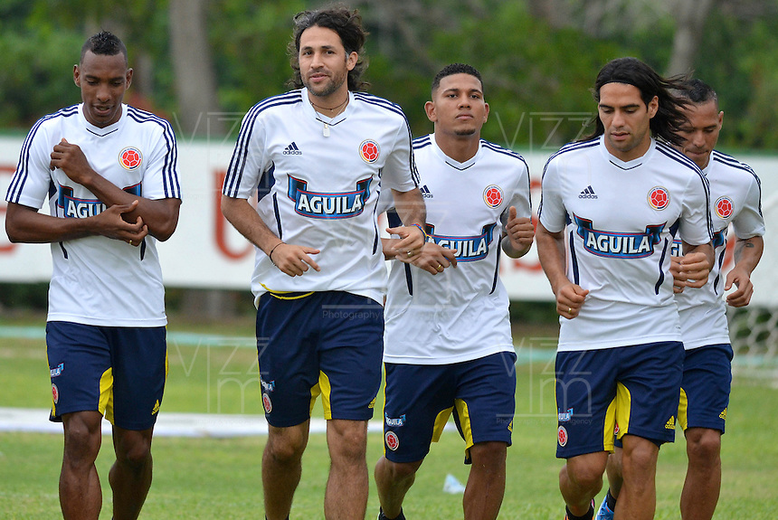 BARRANQUILLA-COLOMBIA- 7 -10--2013 .Entrenamiento de la selección Colombia de mayores de fútbol en la Universidad Autónoma de Barranquilla en preparación para su encuentro con la selección de Chile rumbo al mundial Brasil 2014.  / Training biggest selection of soccer Colombia in Barranquilla Autonomous University in preparation for his meeting with the selection of Chile brazil 2014 due to global..Photo: VizzorImage / Alfonso Cervantes / Stringer