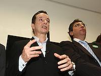 SÃO PAULO, SP, 21  DE AGOSTO DE 2012. ELEIÇÕES 2012 - CELSO RUSSOMANNO.  O candidato do PRB a prefeitura de São Paulo, Celso Russomanno,  inaugura o comitê central da sua campanha na avenida 9 de julho na zona Sul da capital paulista com o candidato a vice prefeito Luís Flávio D'Urso. FOTO: ADRIANA SPACA - BRAZIL PHOTO PRESS