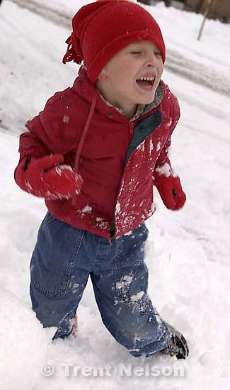 Noah Nelson playing in the snow. 11/25/2001, 4:38:58 PM<br />