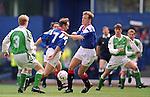 David Hagen and Trevor Steven take on Hibs at Ibrox in September 1993