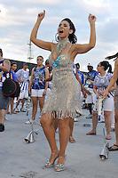 SÃO PAULO, SP, 05 DE FEVEREIRO DE 2012 - ENSAIO TECNICO ACADEMICOS DO TATUAPÉ - Modelo Adriana Ferrari durante Ensaio técnico da Escola de Samba do grupo de acesso Academicos do Tatuapé na preparação para o Carnaval 2012. O ensaio foi realizado  neste domingo (05) no Sambódromo do Anhembi, zona norte da cidade. FOTO: LEVI BIANCO - NEWS FREE