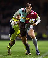 Tim Visser of Harlequins takes on the Sale Sharks defence. Aviva Premiership match, between Harlequins and Sale Sharks on October 6, 2017 at the Twickenham Stoop in London, England. Photo by: Patrick Khachfe / JMP