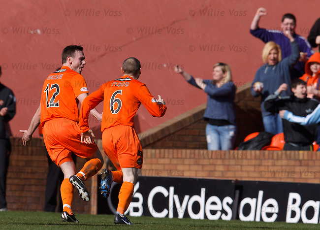 Keith Watson celebrates his goal for Dundee Utd with Willo Flood