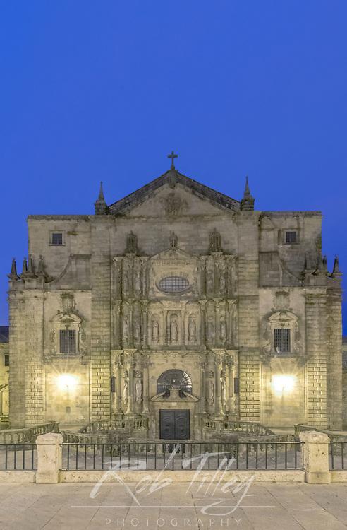Spain, Satiago de Compostela, Monastery of San Martino Pinario Church at Dawn