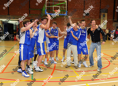 2011-04-09 / Basketbal / seizoen 2010-2011 / Malle Kampioen / ..Foto: Mpics