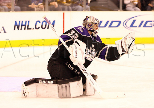05 December 2009: Goalie Jonathan Quick of the Los Angeles Kings makes a save against the St. Louis Blues  during the St. Luis Blues 5-4 victory over the Los Angeles Kings   at Staples Center in Los Angeles,CA. Photo by Adam Davis/Actionplus. UK Editorial Licenses only.