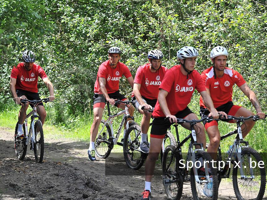 KV Kortrijk Stage Berck sur Mer : teambuilding <br /> foto VDB / BART VANDENBROUCKE