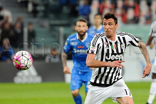 02.04.2016. Juventus Stadium, Turin, Italy. Serie A Football. Juventus versus Empoli.  Mario Mandzukic chases down the loose ball