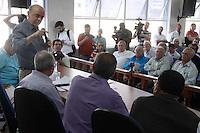 SAO PAULO, SP, 04 DE SETEMBRO 2012 - CAMPANHA ELEITORAL - CANDIDATO JOSE SERRA - O candidato Jose Serra participa na tarde desta quarta-feria (05), de reunião no Sindicato dos Taxista na Rua Estado de Israel, ,833 na região sul de São Paulo.  (FOTO: AMAURI NEHN / BRAZIL PHOTO PRESS).