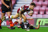 Picture by Alex Whitehead/SWpix.com - 20/04/2018 - Rugby League - Betfred Super League - Wigan Warriors v Castleford Tigers - DW Stadium, Wigan, England - Wigan's Oliver Gildart scores a try.