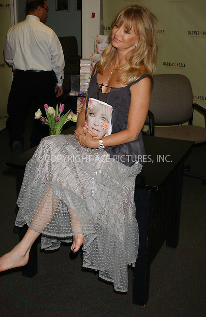 WWW.ACEPIXS.COM . . . . . ....NEW YORK, NEW YORK, MAY 2ND 2005....Goldie Hawn signs copies of her book at Barnes And Noble....Please byline: KRISTIN CALLAHAN - ACE PICTURES.. . . . . . ..Ace Pictures, Inc:  ..Craig Ashby (212) 243-8787..e-mail: picturedesk@acepixs.com..web: http://www.acepixs.com