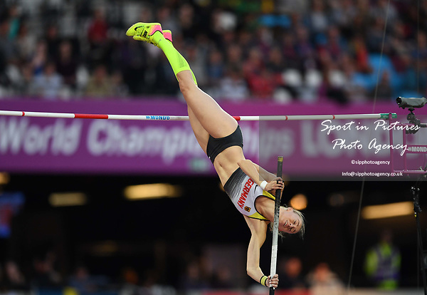 Lisa Ryzih (GER) in the womens pole vault. IAAF world athletics championships. London Olympic stadium. Queen Elizabeth Olympic park. Stratford. London. UK. 06/08/2017. ~ MANDATORY CREDIT Garry Bowden/SIPPA - NO UNAUTHORISED USE - +44 7837 394578