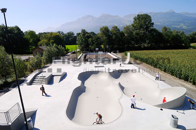 Hochstativfoto vom Skating-Park, in Vaduz, Liechtenstein..Foto: Paul Trummer, Mauren, Liechtenstein