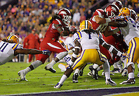 11/14/15<br /> Arkansas Democrat-Gazette/STEPHEN B. THORNTON<br /> Arkansas' Alex Collins  runs for the hogs third TD  during the second quarter of their game Saturday in Baton Rouge, La.