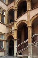 Europe/France/Rhône-Alpes/69/Rhône/Lyon: Hôtel paterin - Escalier et cour d'honneur