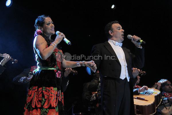 """Lila Downs and Fernando de la Mora perform during the """"Mexicanos Cantan"""" concert at Alonzo Vidal Plaza during Pitic 2012 in Hermosillo. Sonora Mexico. May 28, 2012.  Credit: Baldemar de los Llanos/NortePhoto/MediaPunch Inc. ***NO MEXICO*** ***NO SPAIN***"""
