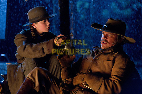 HAILEE STEINFELD & MATT DAMON  .in True Grit.*Filmstill - Editorial Use Only*.CAP/FB.Supplied by Capital Pictures.