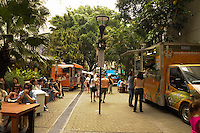 SÃO PAULO-SP-30.11.2014-1° FESTIVAL FOOD TRUCK - O Shopping West Plaza e Food Truck na ruas apresentam o 1° Festival Food Truck nas ruas.No Boulevard Gastrônomico do Shopping (28/11 à 30/11).Região oeste da cidade de São Paulo na tarde desse domingo,30.(Foto:Kevin David/Brazil Photo Press)