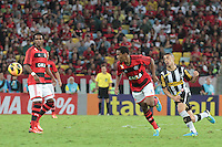 RIO DE JANEIRO; RJ; 28 DE JULHO 2013 -  Elias do Flamengo durante partida contra o Botafogo jogo pela nona rodada do Campeonato Brasileiro no Estádio do Maracanã neste domingo, 28. (Foto. Néstor J. Beremblum / Brazil Photo Press).