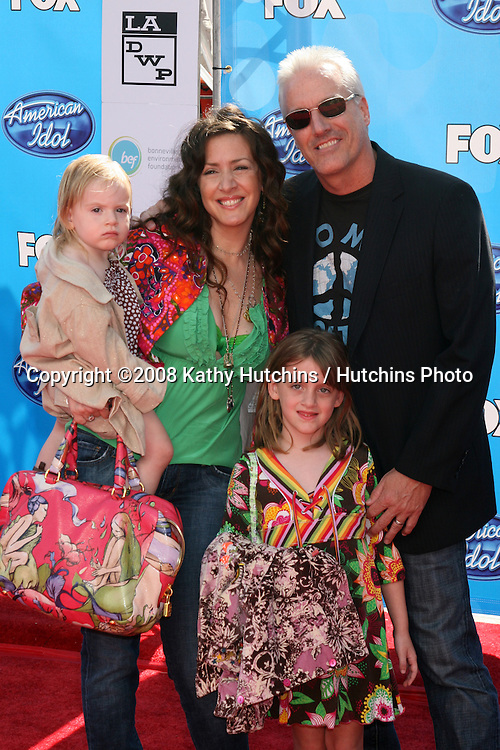 Joely Fisher & Family.American Idol FInale 2008.Nokia Theater.Los Angeles,  CA.May 21, 2008.©2008 Kathy Hutchins / Hutchins Photo .