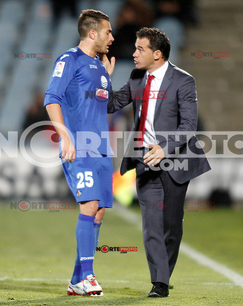 Getafe's coach Luis Garcia (r) and Xavi Torres during La Liga match.November 18,2012. (ALTERPHOTOS/Acero) NortePhoto