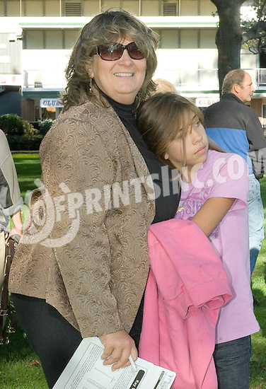 Bessie & Kayla Belle Gruwell before The Small Wonder Stakes at Delaware Park on 10/16/10