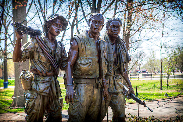 Vietnam Veterans Memorial Three Soldiers Statue Washington DC