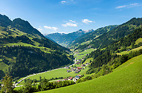 Oesterreich, Salzburger Land, Pongau, Blick von Schied ins Grossarltal mit den Hohen Tauern | Austria, Salzburger Land, region Pongau: valley Grossarltal with Hohe Tauern mountains