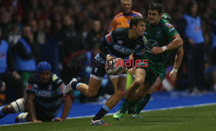 Blues full back Tom Williams<br /> RaboDirect Pro 12<br /> Cardiff Blues v Connacht<br /> Cardiff Arms Park<br /> 13.09.13<br /> <br /> ©Steve Pope-SPORTINGWALES