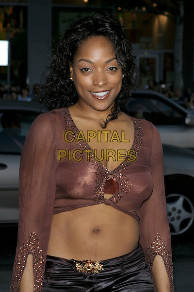 "KELLITA SMITH.""The Honeymooners"" World Premiere,.at the Grauman's Chinese Theatre, .Hollywood, CA, USA, 8th June 2005..half length tummy midriff.Ref: ADM.www.capitalpictures.com.sales@capitalpictures.com.©Jacqui Wong/AdMedia/Capital Pictures."