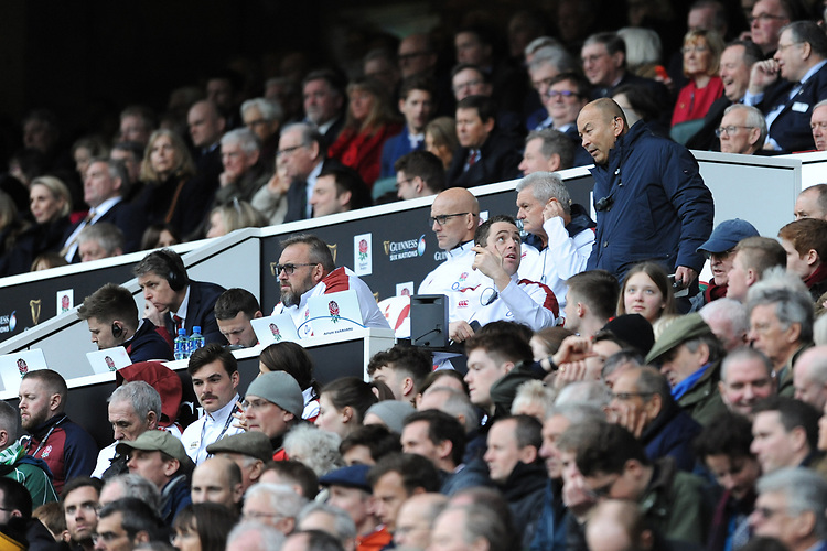 England Head Coach Eddie Jones discusses tactics with his coaching team during the Guinness Six Nations match between England and Ireland at Twickenham Stadium on Sunday 23rd February 2020 (Photo by Rob Munro/Stewart Communications)