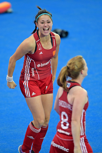ENG - London, England, August 30: During the women Gold Medal Match between England (red) and The Netherlands (white) on August 30, 2015 at Lee Valley Hockey and Tennis Centre, Queen Elizabeth Olympic Park in London, England. Final score 2-2 (3-1 SO). (Photo by Dirk Markgraf / www.265-images.com) *** Local caption *** Sam QUEK #13 of England