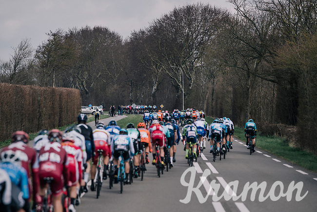peloton breaking up<br /> <br /> 106th Scheldeprijs 2018 (1.HC)<br /> 1 Day Race: Terneuzen (NED) - Schoten (BEL)(200km)