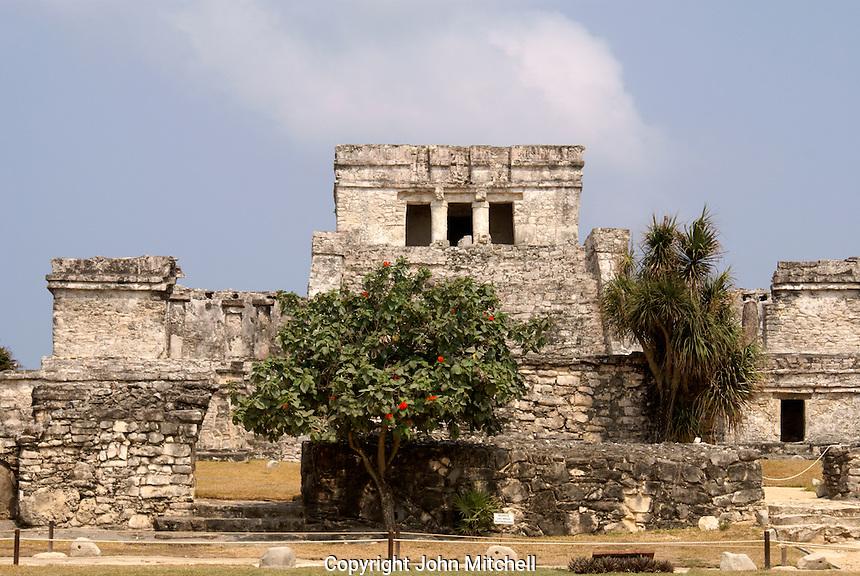 El Castillo at the Mayan ruins of Tulum on the Riviera Maya, Quintana Roo, Mexico.