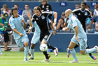 Alan Gordon (16) Earthquakes forward attacks the Kansas City goal... Sporting Kansas City defetaed San Jose Earthquakes 2-1 at LIVESTRONG Sporting Park, Kansas City, Kansas.