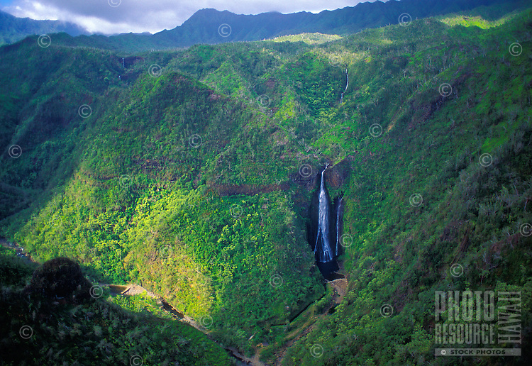 Aerial of Manu Waipuna Falls, used in the film ìJurassic Parkî