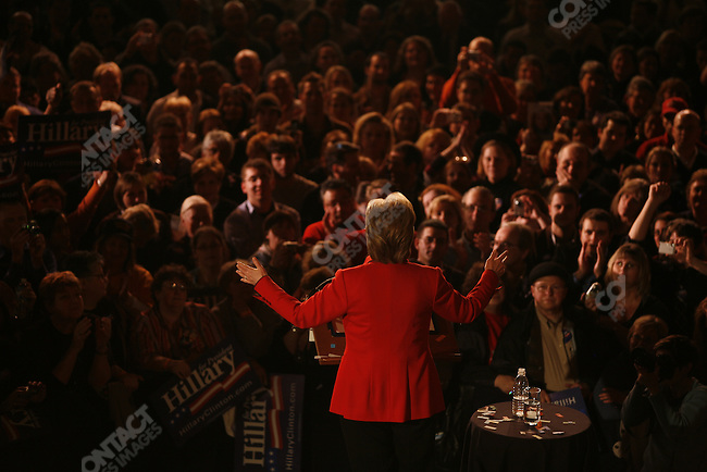 Senator Hillary Clinton (D-NY), potential Democratic presidential candidate, gives a speech to her supporters, celebrating her victory in the Texas-Ohio primary election. Columbus, Ohio, March 4, 2008.