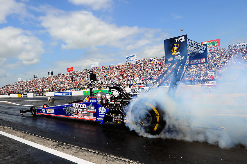 Apr 11, 2010; 1:49:11 PM; Baytown, TX., USA; The NHRA Full Throttle Drag Racing Series event running the O'Reilly Auto Parts NHRA Spring Nationals at the Houston RaceWay Park.  Mandatory Credit: (thesportswire.net)