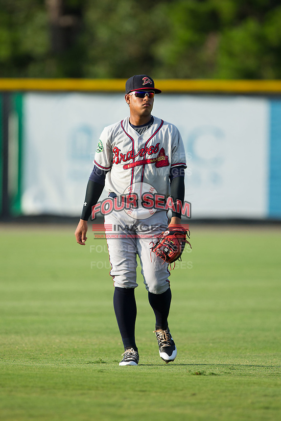 Kevin Maitan (26) of the Danville Braves warms up in the outfield prior to the game against the prior to the game against the Burlington Royals at Burlington Athletic Stadium on August 14, 2017 in Burlington, North Carolina.  The Royals defeated the Braves 9-8 in 10 innings.  (Brian Westerholt/Four Seam Images)
