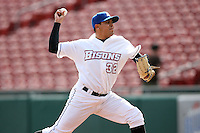 May 9, 2009:  Relief Pitcher Carlos Muniz of the Buffalo Bisons, International League Class-AAA affiliate of the New York Mets, delivers a pitch during a game at the Coca-Cola Field in Buffalo, FL.  Photo by:  Mike Janes/Four Seam Images