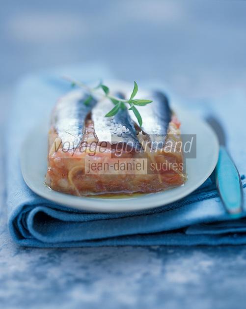 Europe/France/Gastronomie générale: Sardines en boîte aux aubergines et cumin recette de jacques Thorel du restaurant l'Auberge Bretonne à La Roche-Bernard - Stylisme : Valérie LHOMME